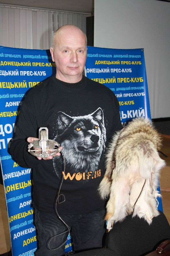 за допомогою такого капкану мисливці отримують шкіру вовка безкоштовно