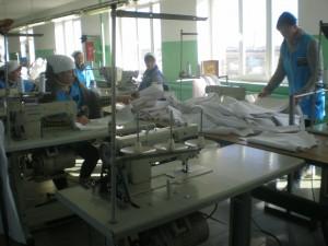 засуджені працюють: швейний цех ВК_107