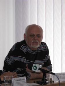 Керівник Донецького дитячого правозахисного центру, керівник ГО «Донецький Меморіал» Олександр Букалов ділиться із учасниками заходу своїми думками