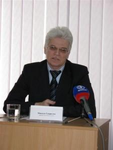 доктор філософських наук, керівник аналітичної служби Микола Гаврилов